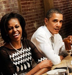 President Obama & First Lady Michelle Obama Reminisces While Having Dinner